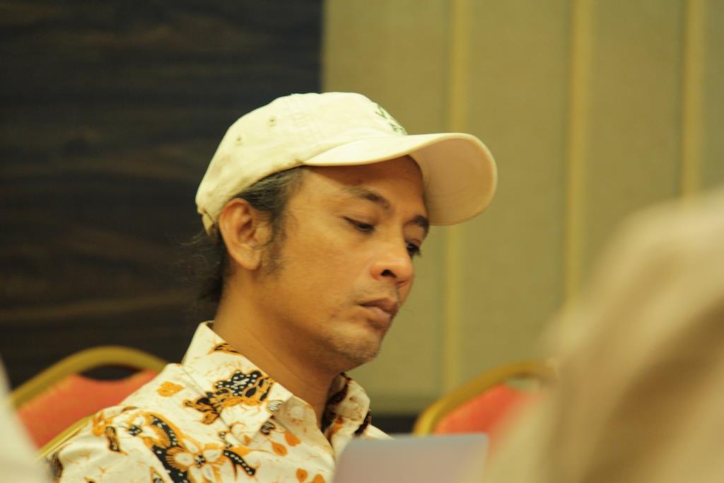 Pak\'de Yuyun Indradi