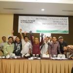 Foto Bersama Para Penggiat Keterbukaan Informasi Publik